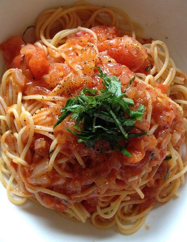 как-сделать-аджику-из-помидоров-с-чесноком