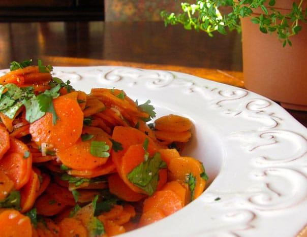 салат-из-моркови-с-чесноком