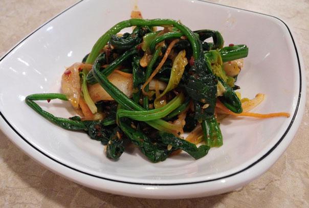 салат-с-корейской-морковью-и-копченой-колбасой