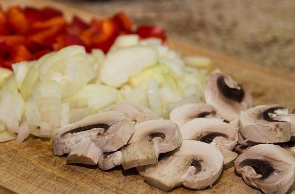 грибной-соус-из-шампиньонов