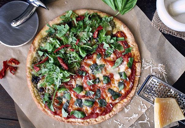 Пицца со щавелем