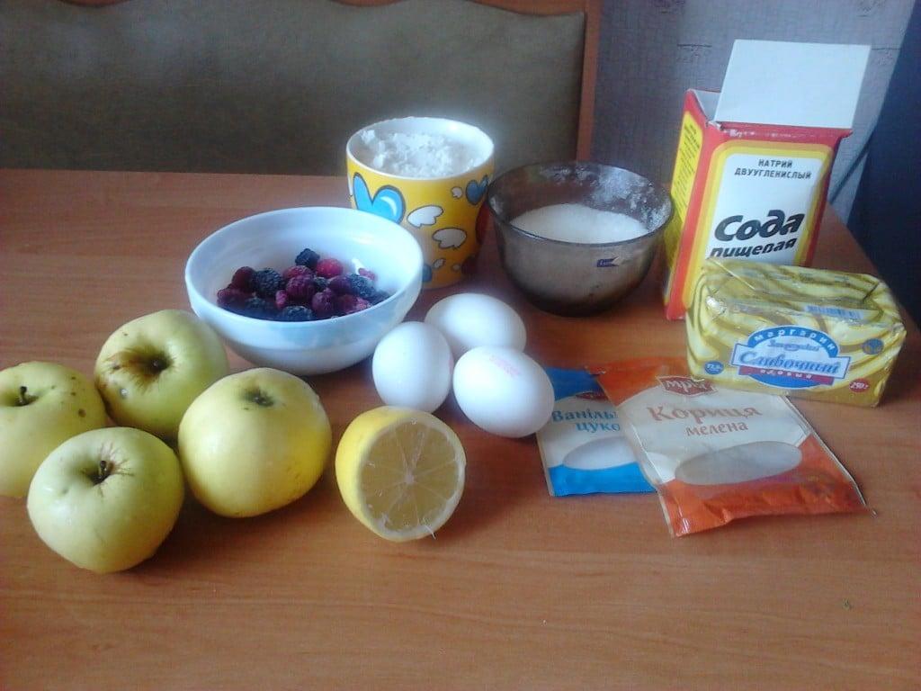 Яблочный пирог с корицей ингредиенты