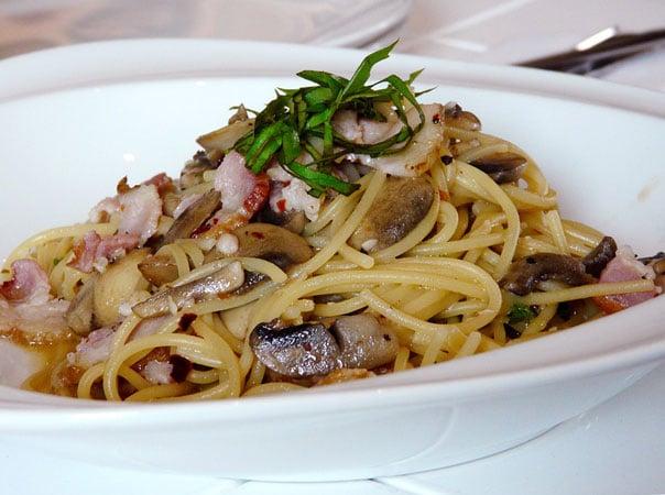 спагетти-с-грибами-в-сливочном-соусе