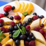 Нарезка из овощей и фруктов